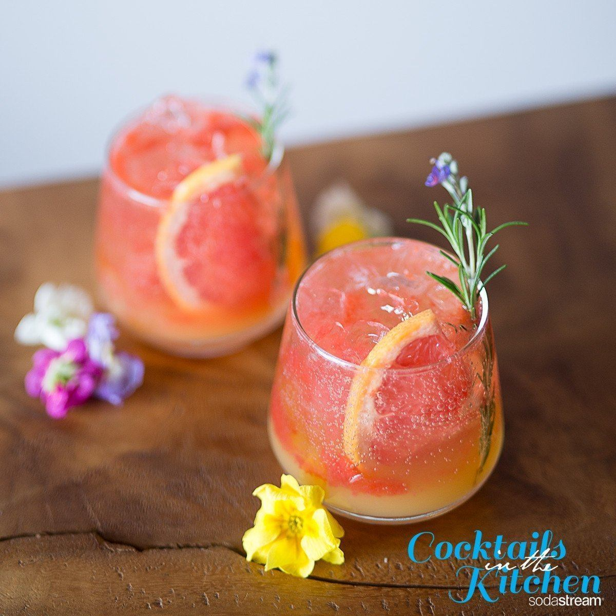 Pink Grapefruit & Champagne Cocktail