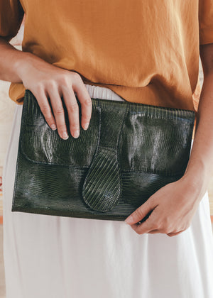Load image into Gallery viewer, Vintage Green Leather Clutch