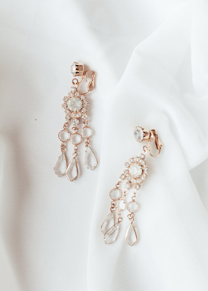 Load image into Gallery viewer, Bridal Floral Drop Clip-ons Earrings