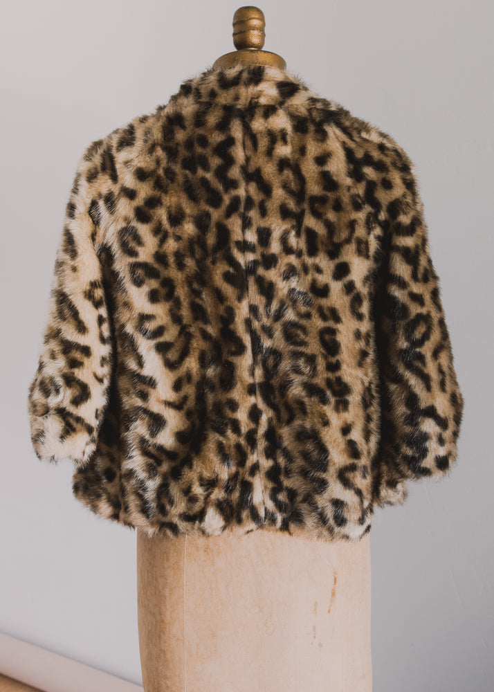 Load image into Gallery viewer, Vegan Leopard Cropped Coat