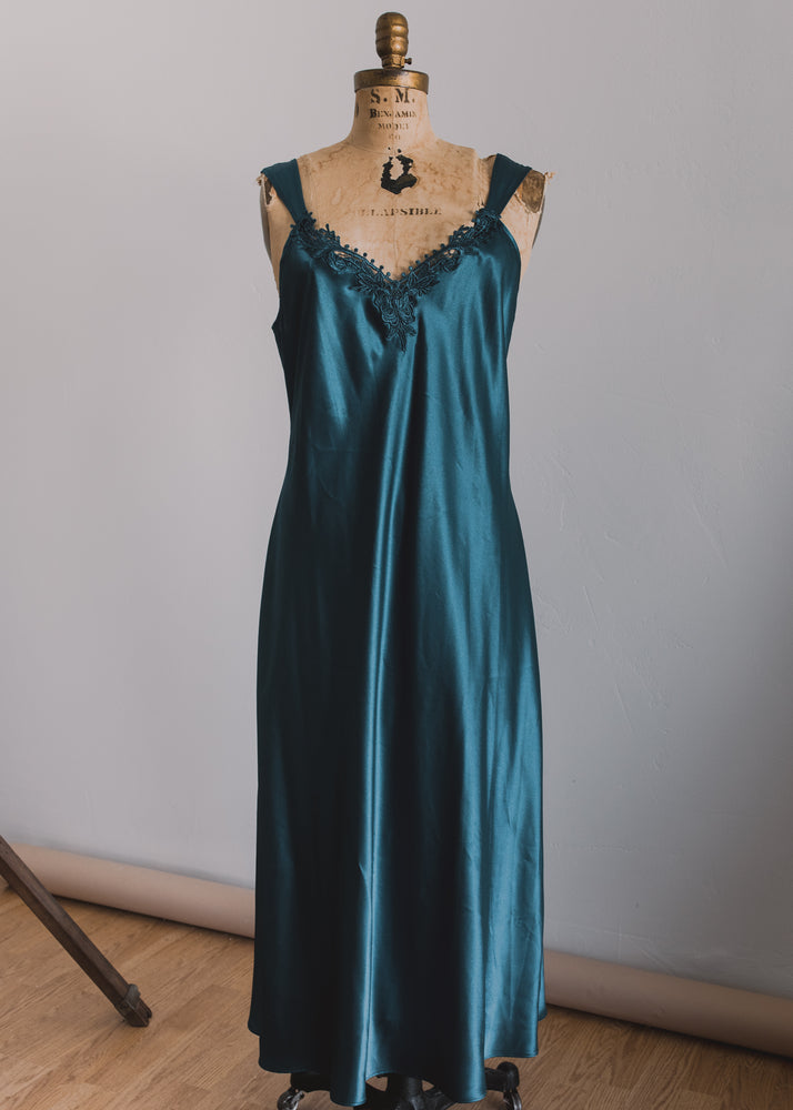 Load image into Gallery viewer, Deep Teal Gem Toned Slip