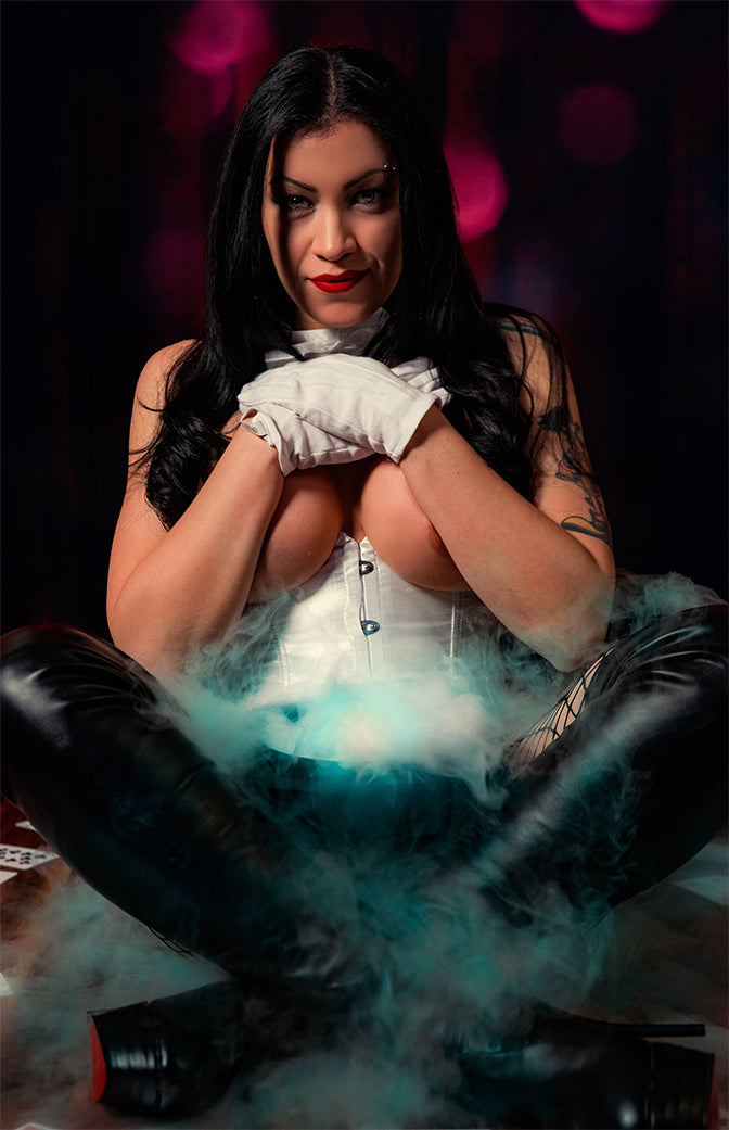 Magic Trick - Cassandra Cain as Zatanna