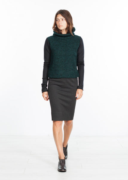 Boucle Turtle Neck in Green/Black