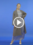 https://media.lykey.me/v4/Maxi%20Coat%20grey-walk-04.mp4