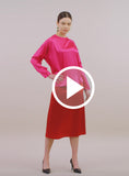 https://media.lykey.me/v4/Midi%20Skirt%20red-walk-04.mp4