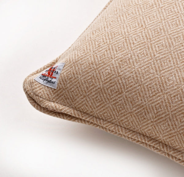 Fox Diamond Weave Cushion in Oatmeal