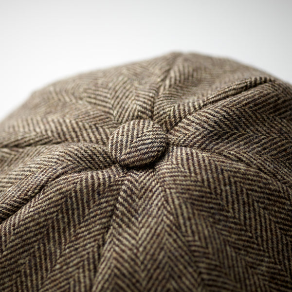 Luxury-Fox-Tweed-100%-wool-8-panel-cap-with-covered-button-at-crown