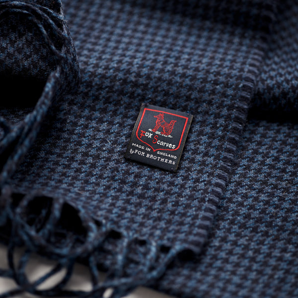 FoxBrothers-Luxury-51%-Cashmere-49%-Merino-Wool-Scarf-Navy-Houndstooth-with-fringe