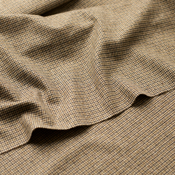 Olive-Ecru-Puppytooth-Limited-Edition-Fox-Brothers-Fox-Flannel-Woven-In-Somerset-Bespoke-Tailoring-Cloth-close-up