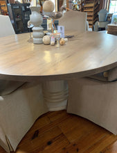 "Load image into Gallery viewer, 72"" Round Oak Dining Table"