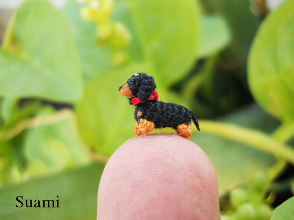 0.26 Inch Extreme Micro Dachshund Sausage Dog