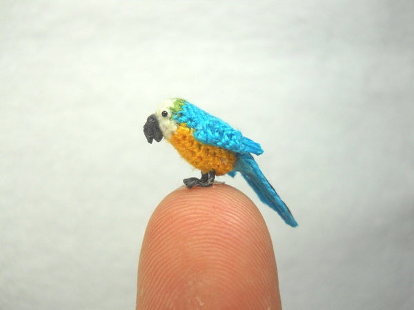 Mini Parrot in Dome