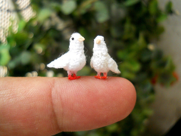 Mini White Dove Couple