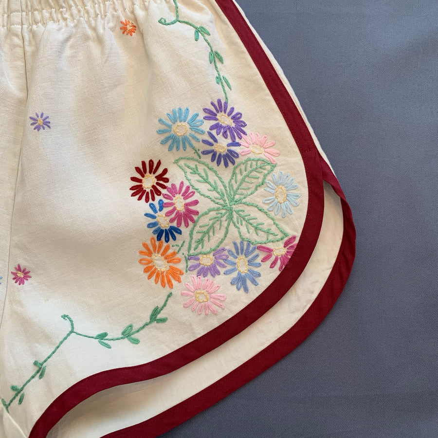 Pansy Shorts Vintage Linen Tablecloth- Small