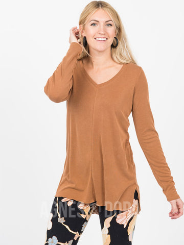 Agnes & Dora™ Vincent Curve Top - Pumpkin - Mini Ribbed