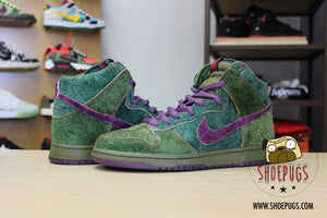 Nike SB Dunk High Skunk 420