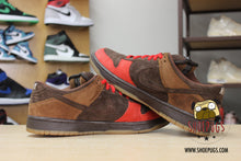 Load image into Gallery viewer, Nike SB Dunk Low Bison