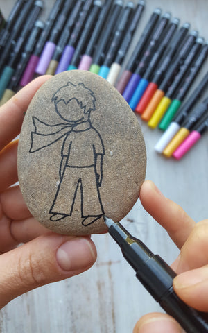 Little Prince outline on stone