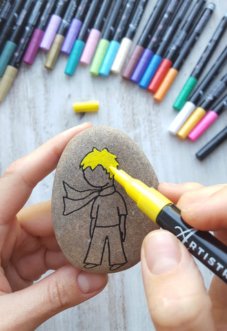 painting Little Prince on rocks