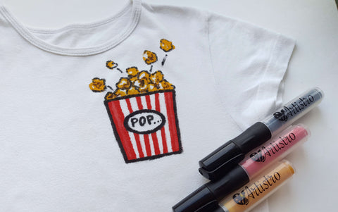 T-shirt with popcorn