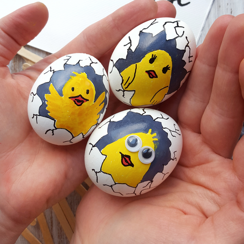 chicken painted eggs