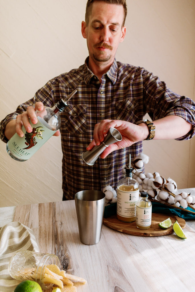A mocktail recipe approved by real bartenders. Craft a quality spirit-free cocktail with Iconic Mixers and Seedlip Spirits