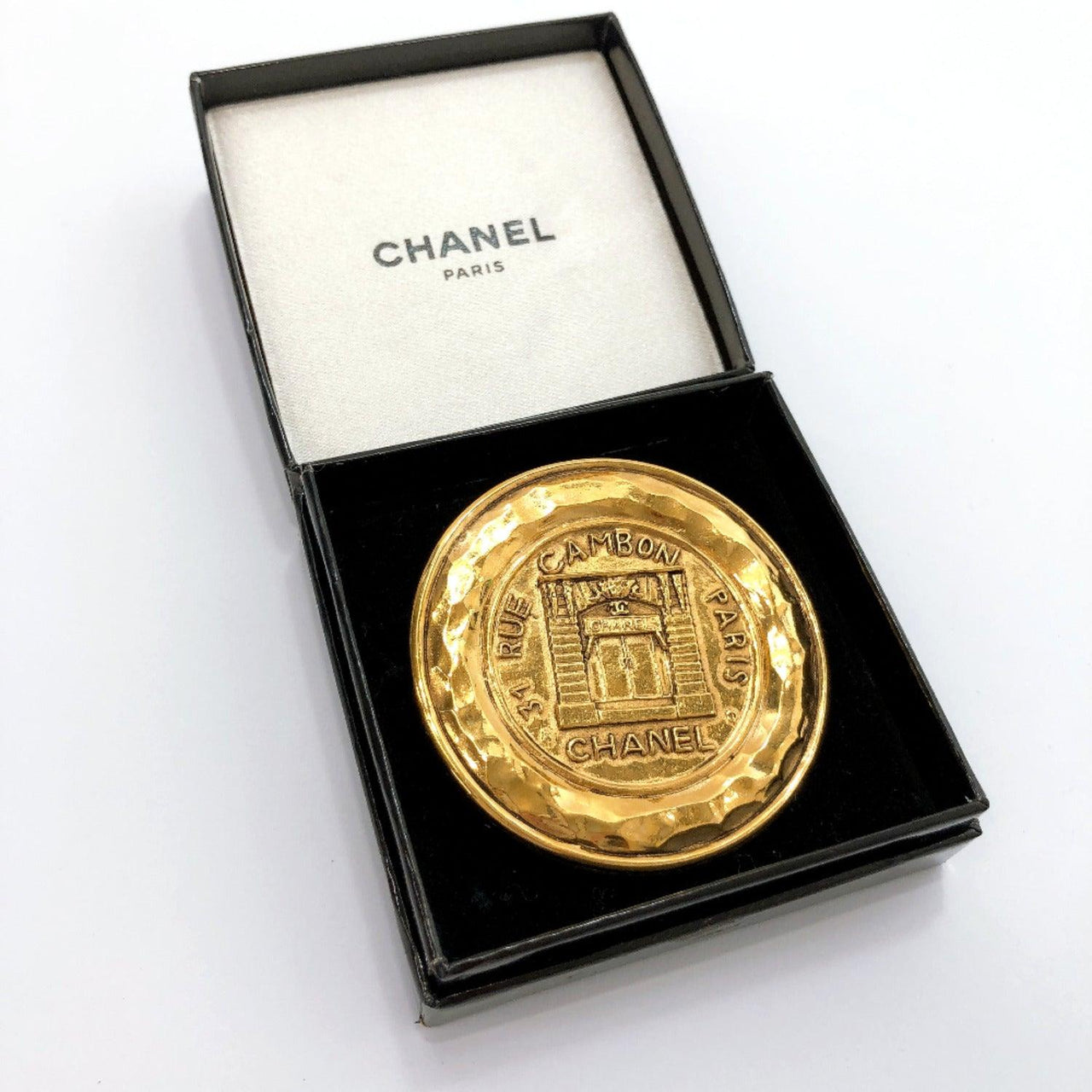 CHANEL Brooch 1150 vintage metal gold Women Used