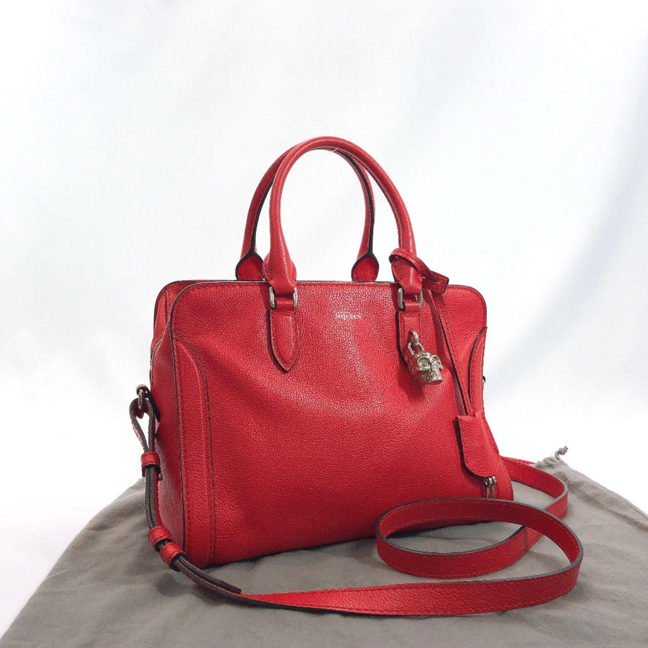 Alexander McQueen Handbag 375306BPT0N6605 2way Skull type with padlock leather Red SilverHardware Women Used - JP-BRANDS.com
