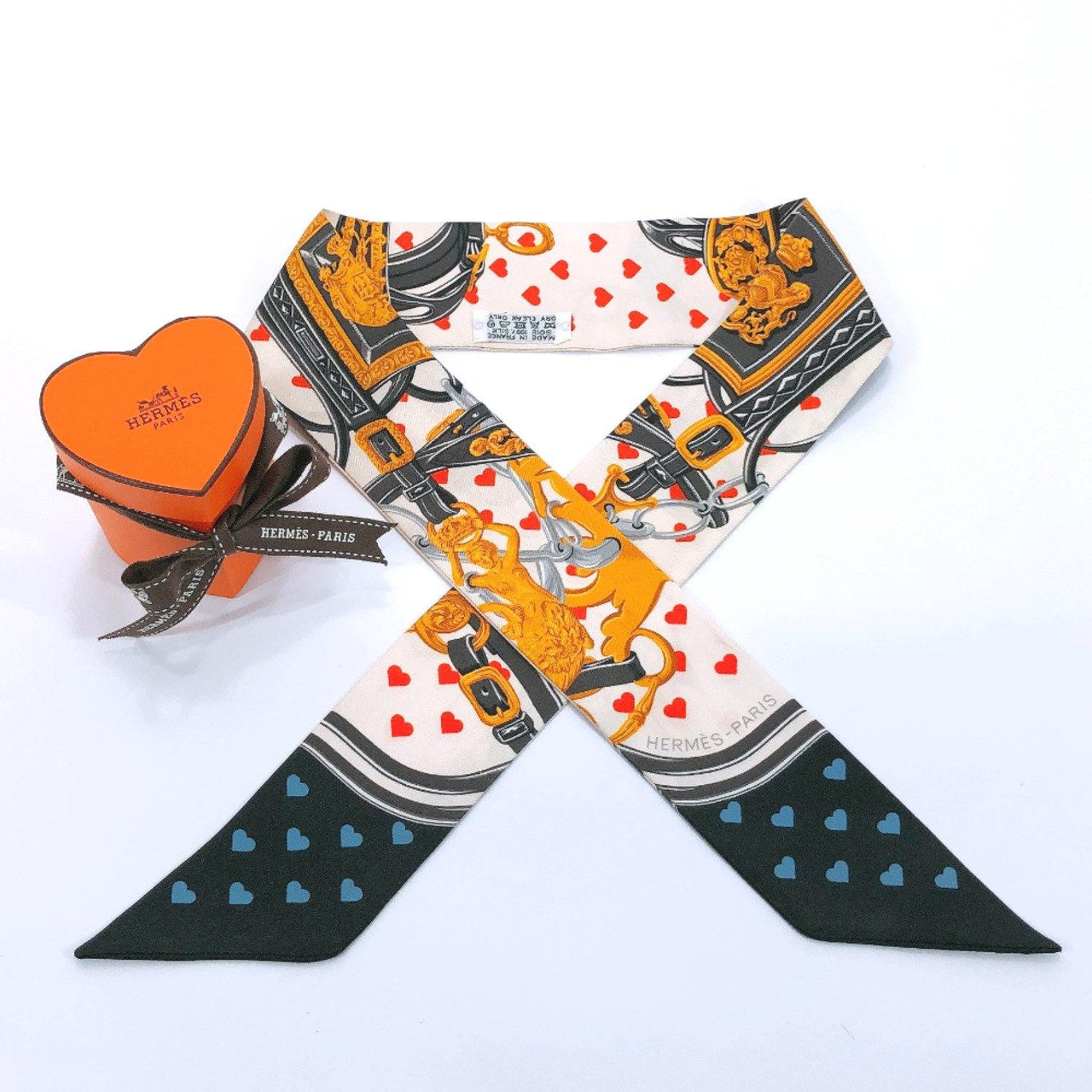HERMES scarf Twilly Heart & belt pattern silk white Red Women Used - JP-BRANDS.com