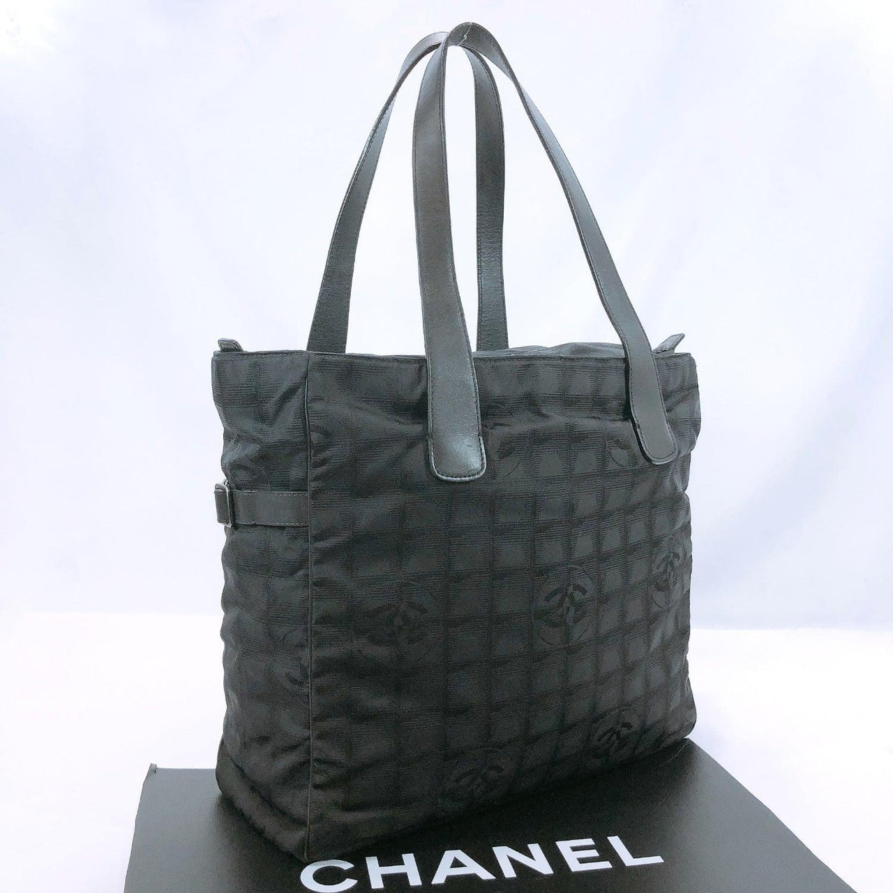 CHANEL Tote Bag New travel line Tote GM Nylon black Women Used