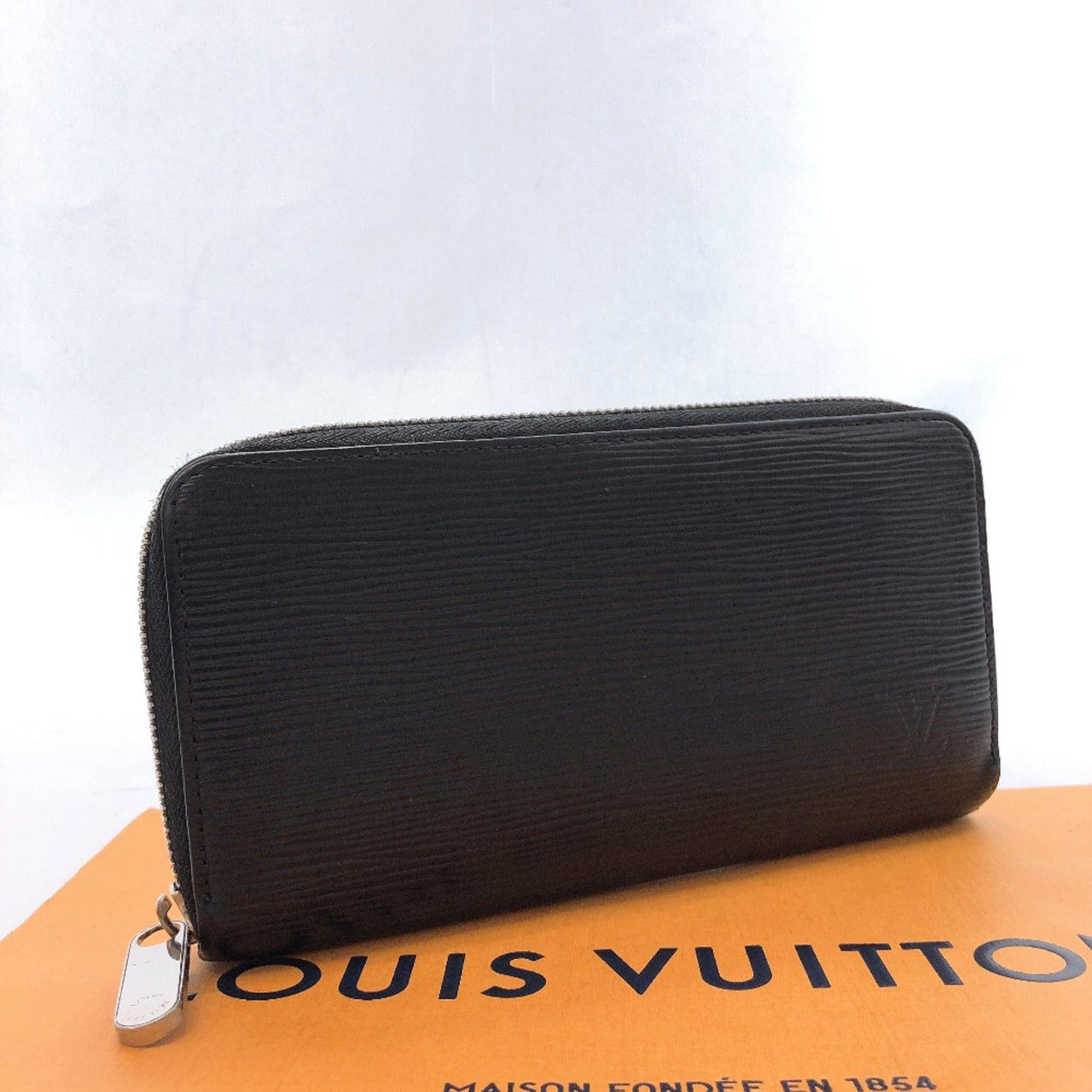 LOUIS VUITTON purse M60072 Zippy wallet Epi Leather black mens Used