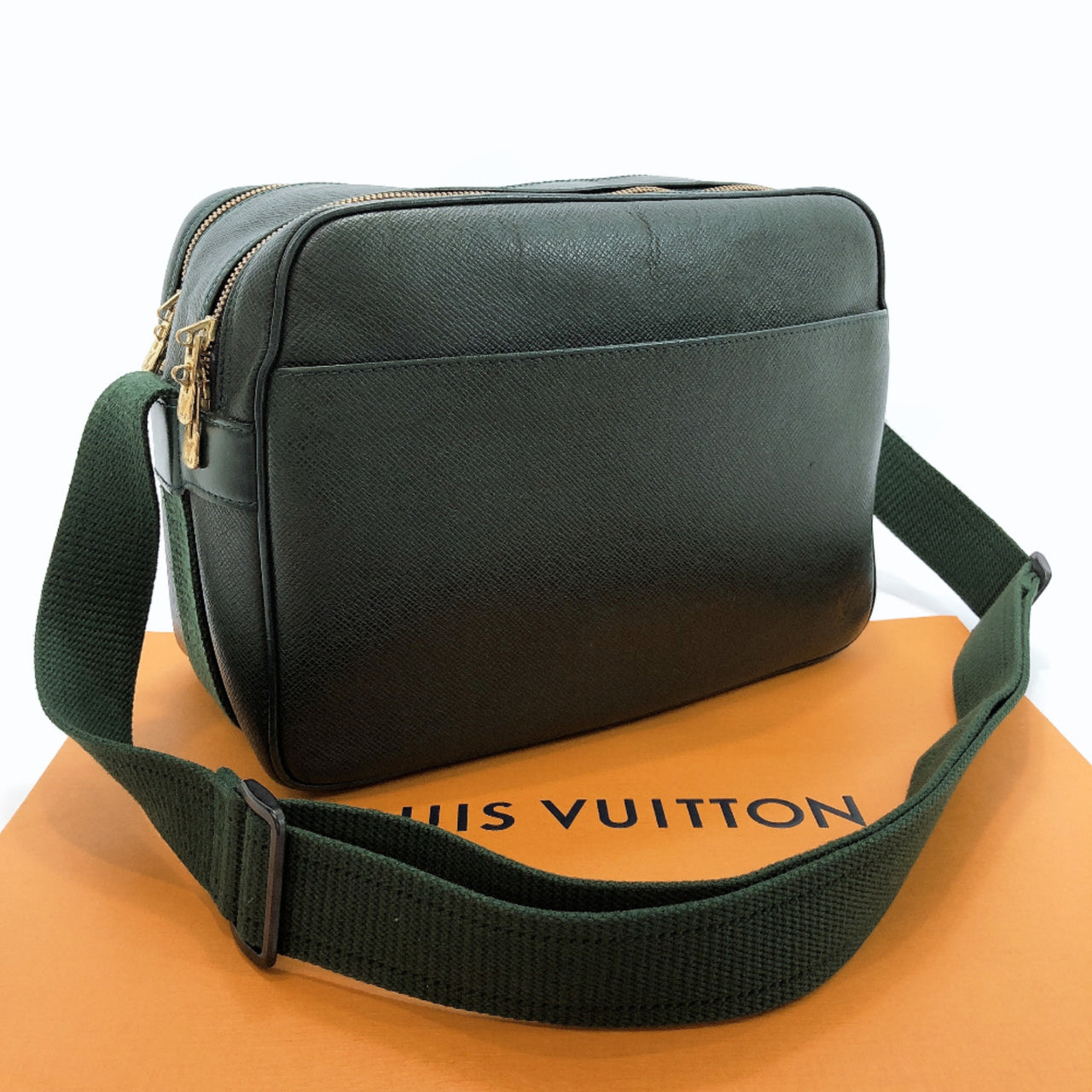 LOUIS VUITTON Shoulder Bag M30154 reporter Aldoise Taiga green mens Used