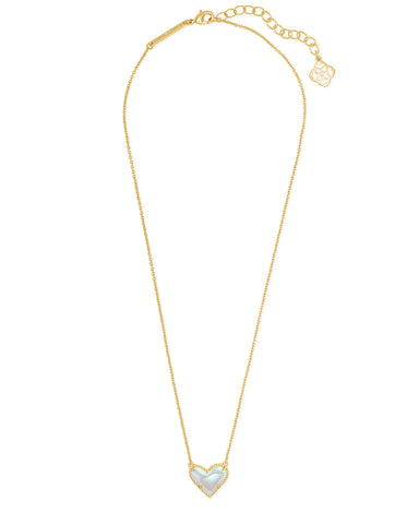 products/kendra-scott-ari-heart-short-pendant-necklace-dichroic-glass-01-lg.jpg