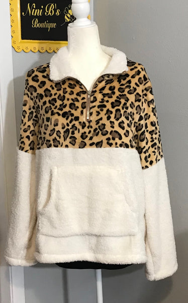 XL WHITE WITH LEOPARD SHERPA
