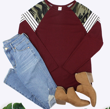 MAROON WITH CAMO AND STRIPE SLEEVE TOP