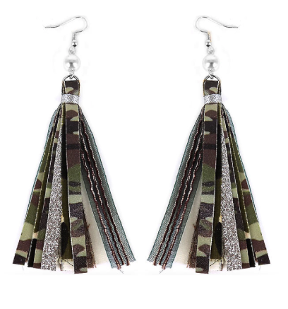 CAMO TASSEL WITH PEARL EARRINGS