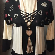 COLOR BLOCK HEART CARDIGAN