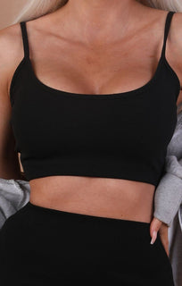 Black Cami Basic Crop Top – Mollie
