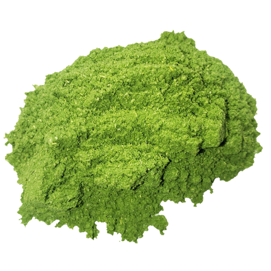 Circle of bright vibrant green freeze-dried kale powder from Smoov Blends. Made from fresh kale leaves.
