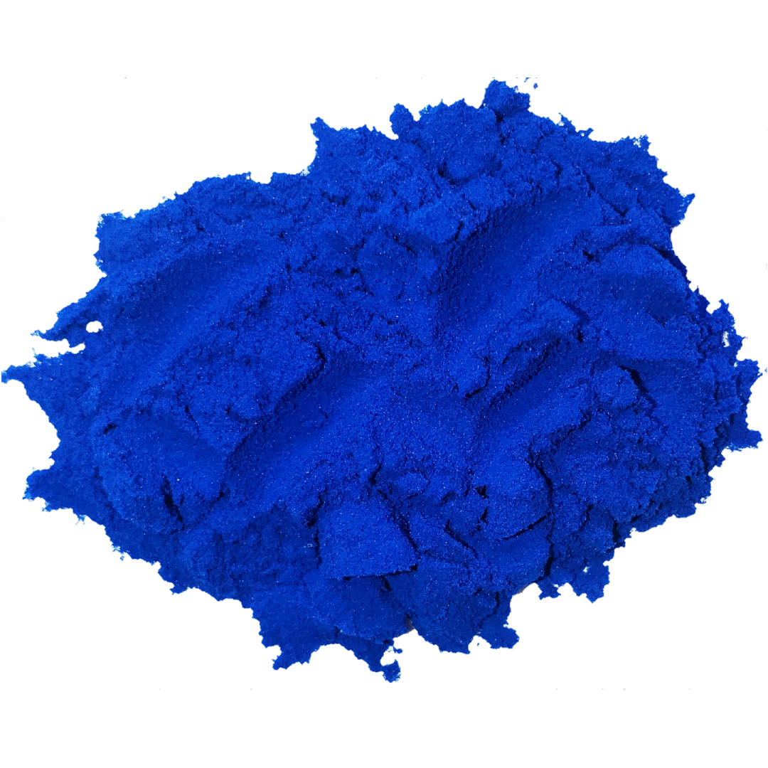 Vibrant blue spirulina powder in a circle. It is one of the ingredients used in the wave blend by Smoov.