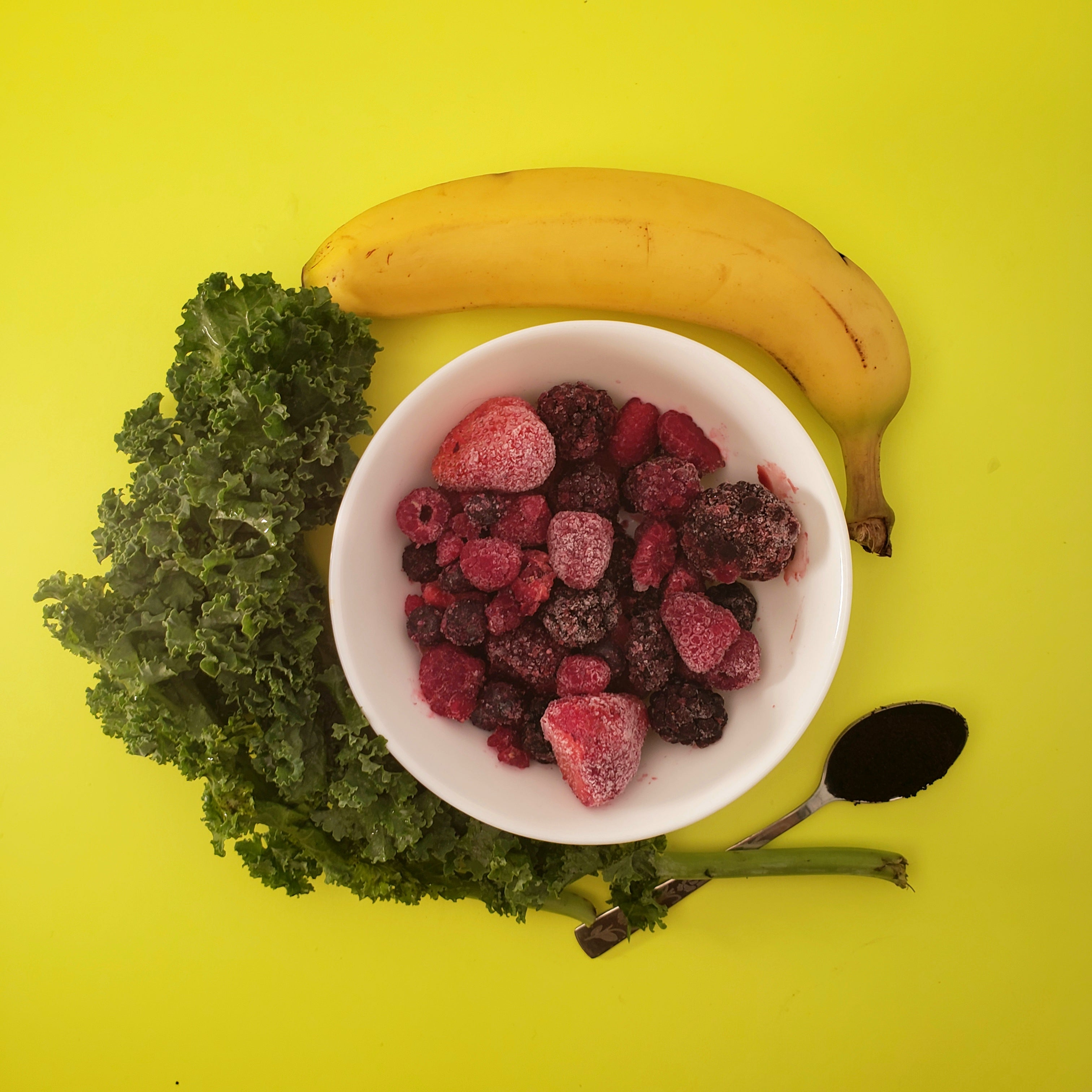 Smoov berry exotic blend, 1 cup kale, 1 cup mixed berries, 1 banana