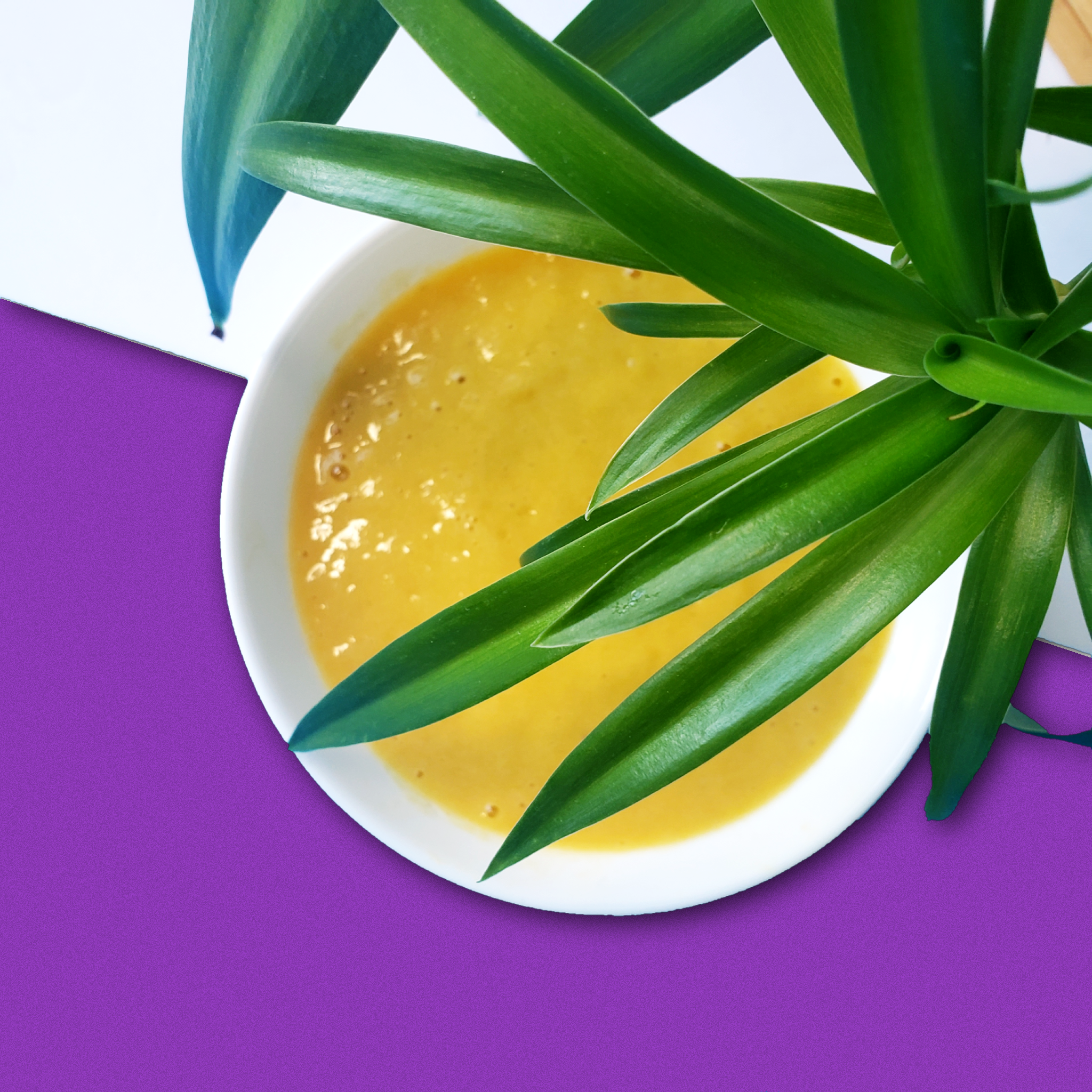 Wake up your immune system with this vibrant yellow smoothie! Delicious and packed with vitamins A & C. Made using Smoov's golden blend, pineapples, mangoes, a banana and milk.