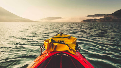 Considerations before kayaking in the ocean (The definitive guide)