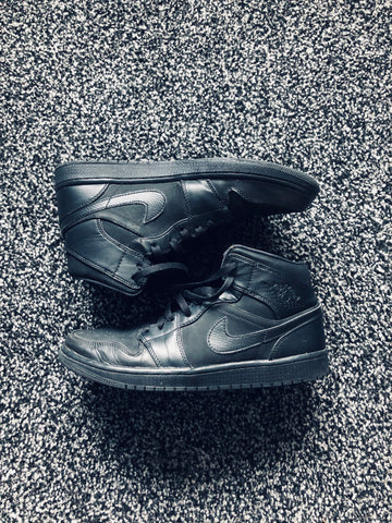 MUSE THRIFT - Air Jordan 1 Mid Triple Black