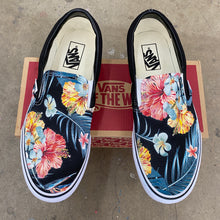 Load image into Gallery viewer, Tropical Hawaiian Black Slip On Vans