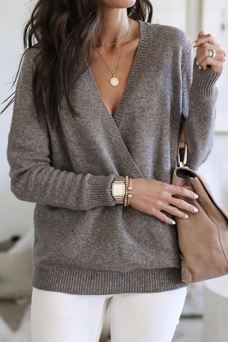 Fashion solid color V-neck sweater