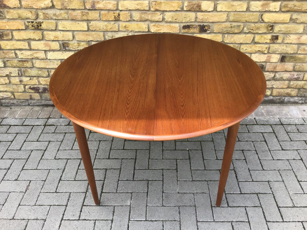 1960's extendable Danish dinning table