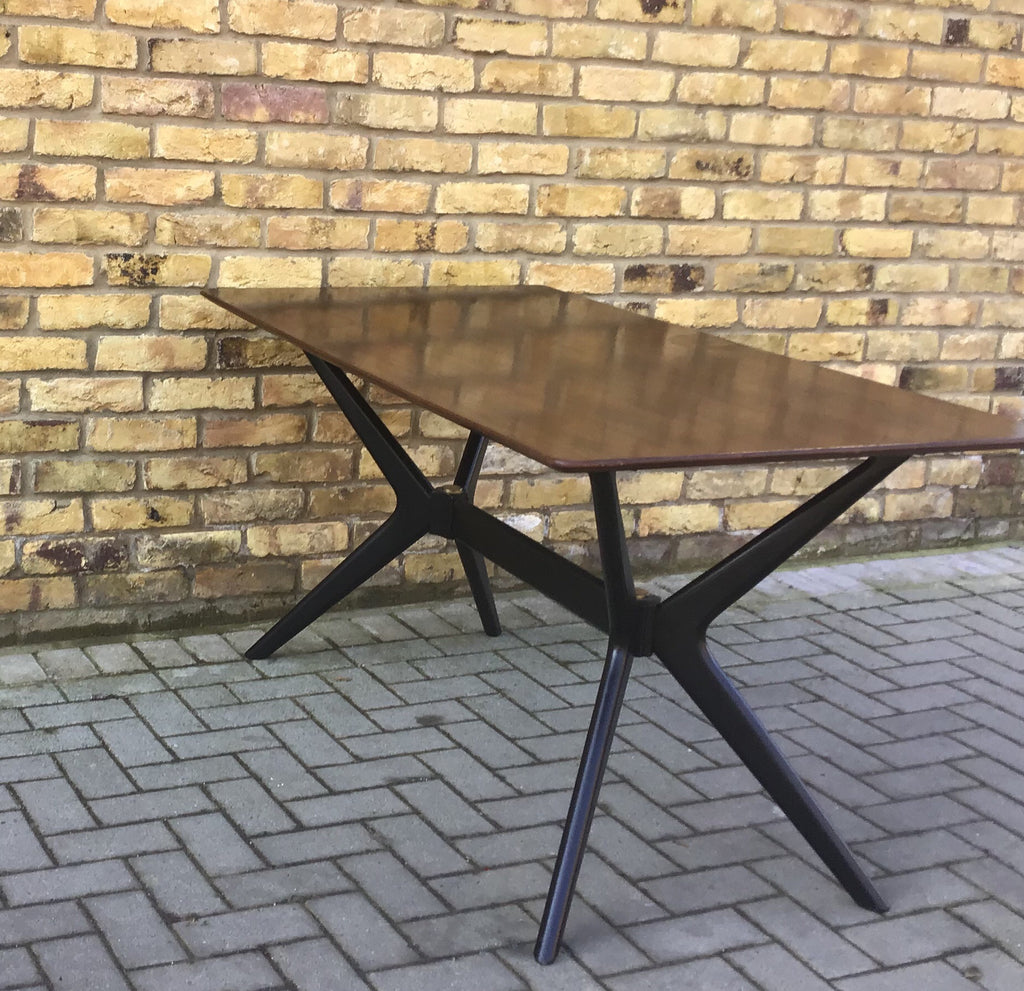 EGomme helicopter table
