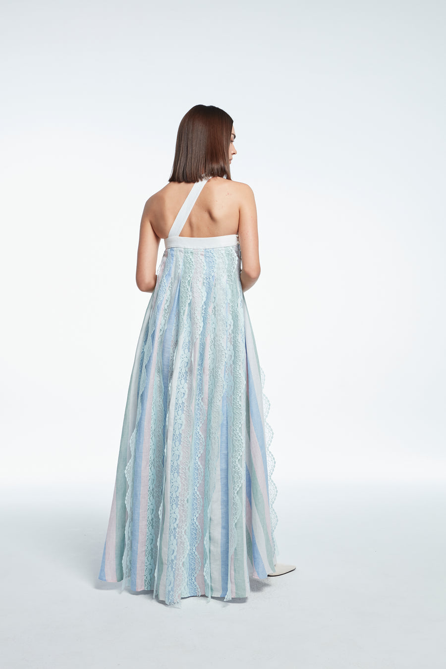 One-shoulder long dress with lace trim