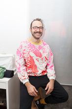 "Load image into Gallery viewer, Sweater Kochin ""arty""_ Gina pink/red"